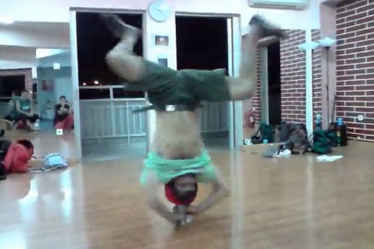 THE BEST HEADSPIN YOU'VE SEEN EVER BY BBOY CARTOON_0629
