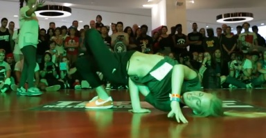 IBE 2013 - 2on2 BGirl Battle Quarter Final - Styles Confidential vs Anna Active & Jilou_0918