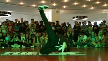 IBE 2013 - 2on2 BGirl Battle Quarter Final - Val & Frost vs Lu & Queen Mary_0918